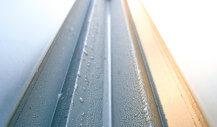 Schone dakgoot zonder verstopping