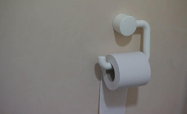 Verstopte wc ontstoppen